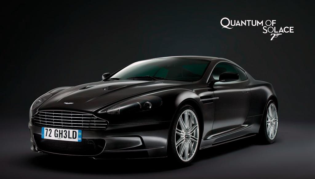 Un ejemplo del diseño visceral clásico : Aston Martin de James Bond, elegante, elegante, emocionante.